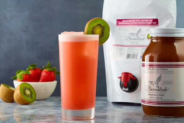 strawberry-kiwi barmalade cocktail with pouch